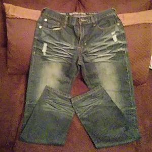 Ring of fire. Jeans slim straight